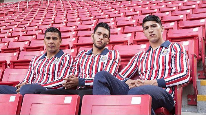Las Chivas presentan la 'piel' que usarán en el Mundial de Clubes