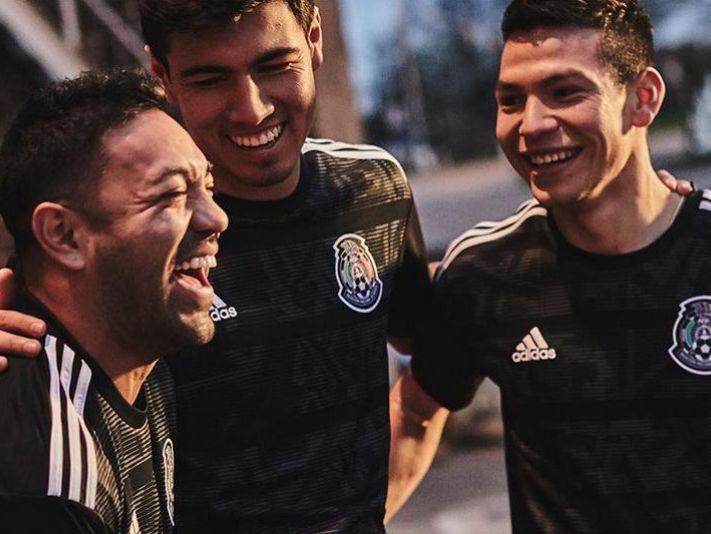 Marco Fabián modela nueva playera del Tri  edición Copa Oro 2019 e3bbc583c5470