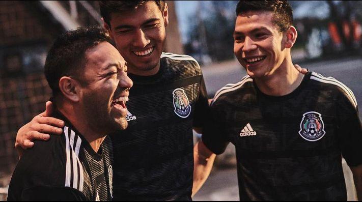 Marco Fabián modela nueva playera del Tri  edición Copa Oro 2019 19a1190c08ff5
