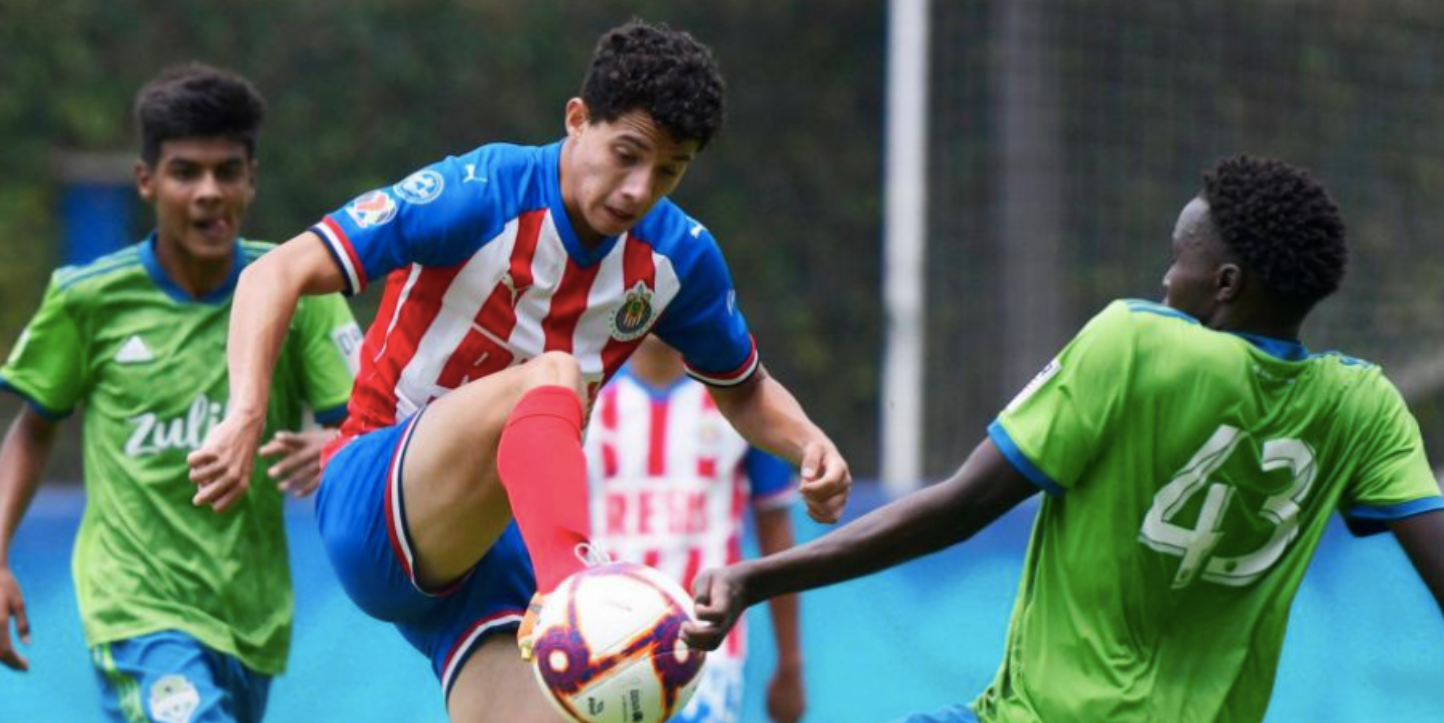 Chivas enfrentando a Seattle Sounders.